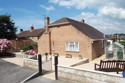 3 Bedrooms Bungalow for sale in Bridport, Dorset