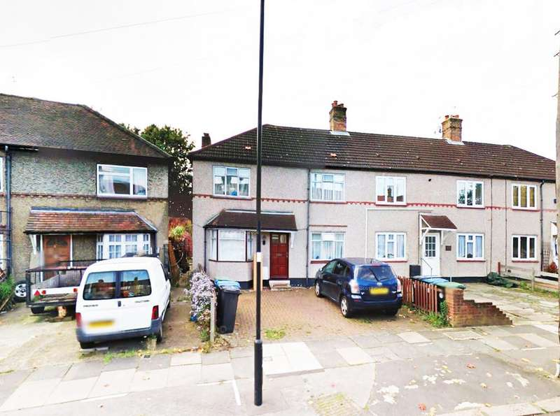 3 Bedrooms Semi Detached House for sale in Carpenter Gardens, Winchmore Hill, N21