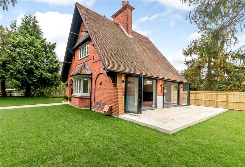3 Bedrooms Detached House for sale in School Hill, Wargrave, Reading, Berkshire, RG10