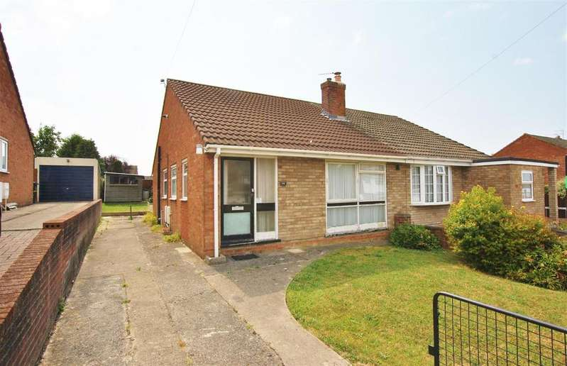 2 Bedrooms Semi Detached Bungalow for sale in Cornish Road, Stockwood