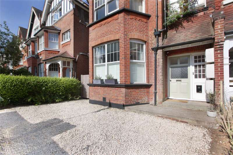 3 Bedrooms Flat for sale in Riggindale Road, Streatham, London, SW16