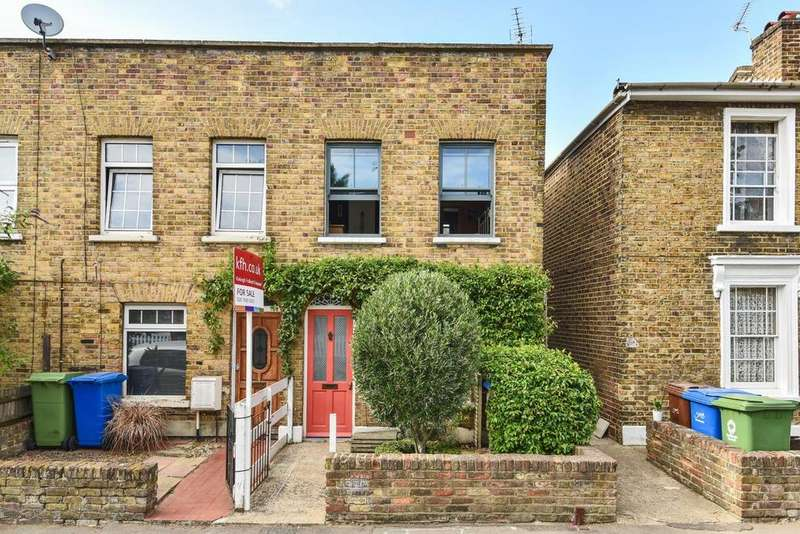 2 Bedrooms Terraced House for sale in Scylla Road, Peckham