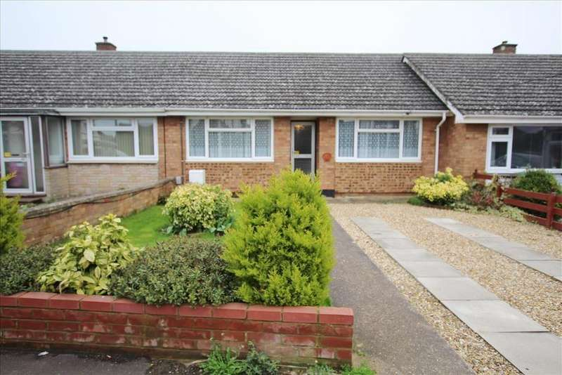 2 Bedrooms Bungalow for sale in Dells Lane, Biggleswade, SG18