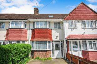 4 Bedrooms Terraced House for sale in Longhill Road, Catford, London