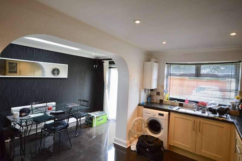 3 Bedrooms Terraced House for sale in Hillside Road, Bristol, Somerset, BS5