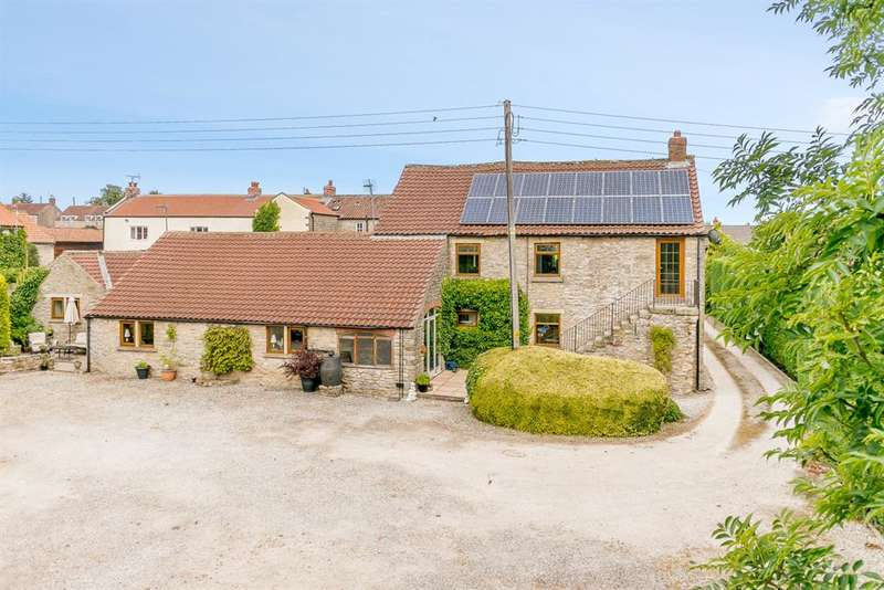 4 Bedrooms Detached House for sale in Newton Upon Rawcliff, Pickering, YO18 8QA