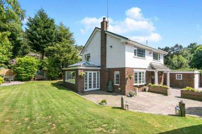 4 Bedrooms Detached House for sale in Upton Road, Prenton, Merseyside, CH43