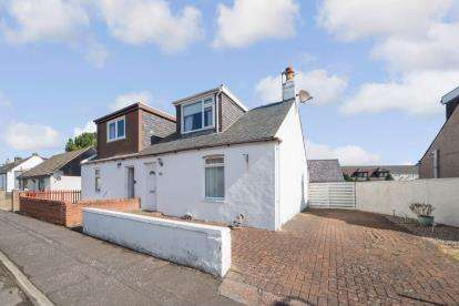 2 Bedrooms Bungalow for sale in Waterloo Road, Prestwick