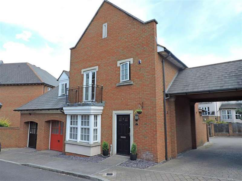 3 Bedrooms Link Detached House for sale in Calcroft Avenue, Greenhithe, DA9 9XE