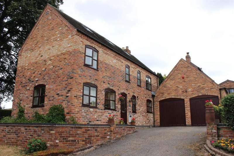 3 Bedrooms Detached House for sale in Haunton, Tamworth
