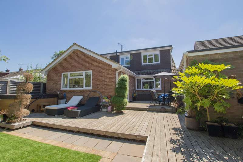 5 Bedrooms Semi Detached House for sale in Burghfield Common, Reading, RG7