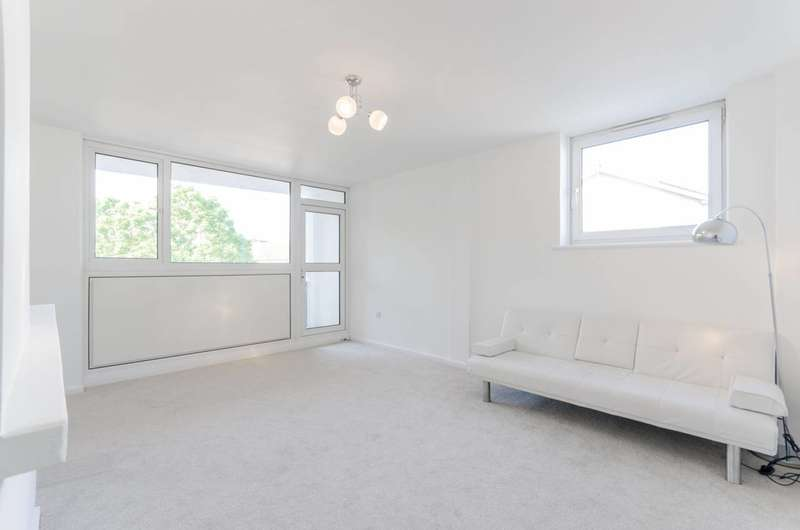 2 Bedrooms Flat for sale in Claremont Street, Beckton, E16