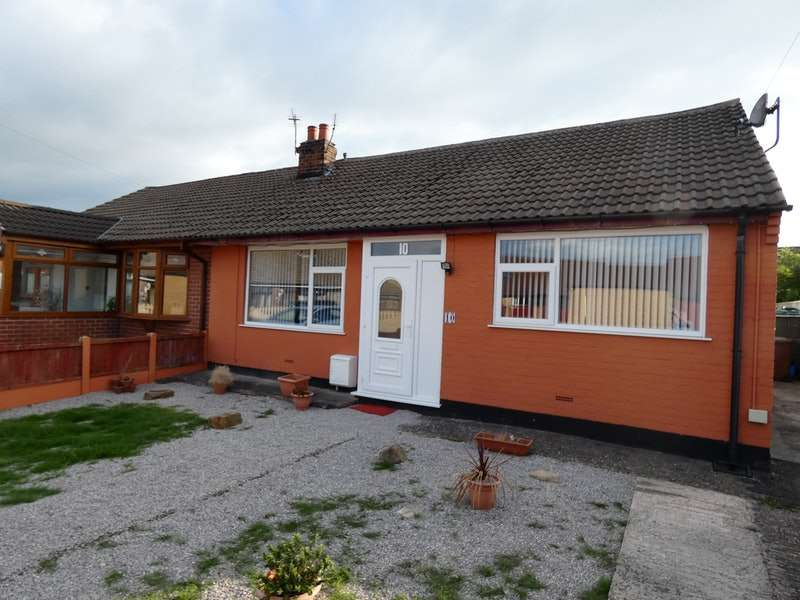 3 Bedrooms Bungalow for sale in Manor Avenue, Newton-le-Willows, Merseyside, WA12