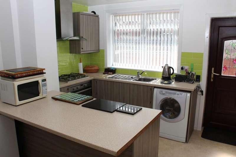 3 Bedrooms Terraced House for sale in Lorne Street, Smallbridge, Rochdale