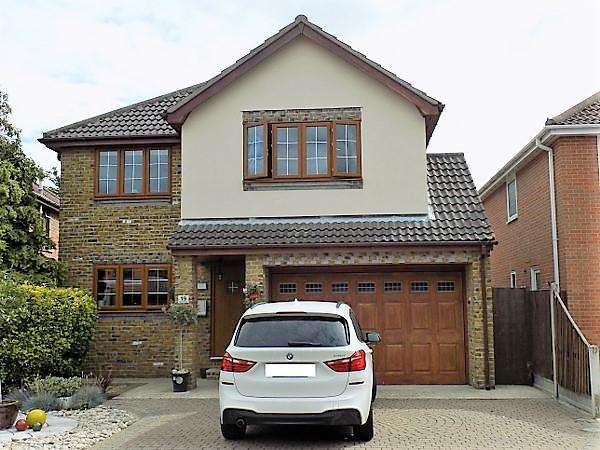 4 Bedrooms Detached House for sale in George Close, Canvey Island, Essex, SS8 9PU