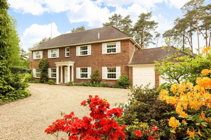 4 Bedrooms Detached House for sale in St Mary's Hill, Sunninghill