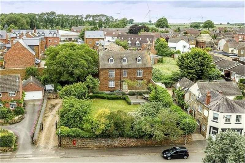 5 Bedrooms Detached House for sale in High Street, Finedon, Northamptonshire