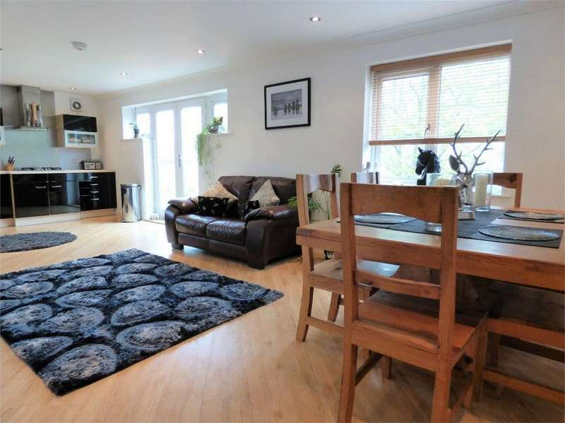 3 Bedrooms Flat for sale in Dickens Court, Old Langho, BLACKBURN, Lancashire