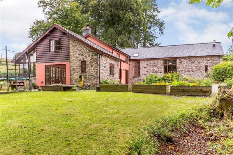 5 Bedrooms Detached House for sale in Hendy Castell, Old Hall, Llanidloes, Powys, SY18