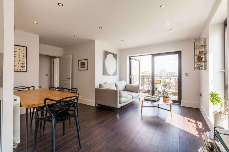 1 Bedroom Flat for sale in Axio Way, Bow, E3