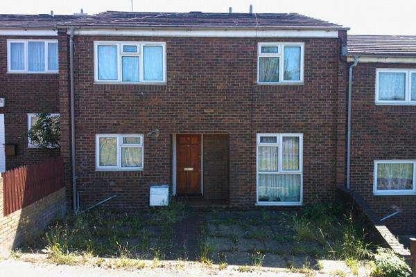 4 Bedrooms Terraced House for sale in ROSEBANK WALK, WOOLWICH, LONDON SE18