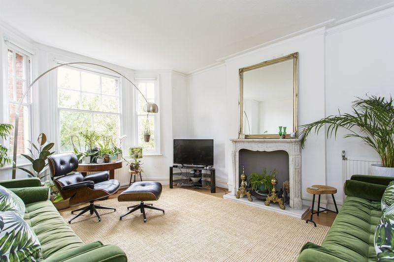 2 Bedrooms Apartment Flat for sale in Brambledown Mansions, Crouch Hill, N8