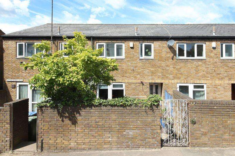 3 Bedrooms Terraced House for sale in Dutton Street, Greenwich, SE10