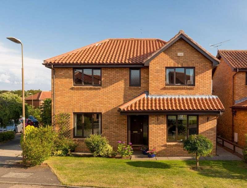 4 Bedrooms Detached House for sale in 41 Vinefields, Pencaitland, East Lothian, EH34 5HD