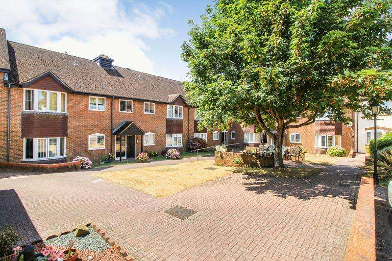 1 Bedroom Retirement Property for sale in Ferndale Court, Thatcham