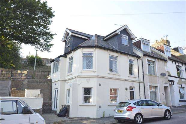 4 Bedrooms End Of Terrace House for sale in Old London Road, HASTINGS, East Sussex, TN35 5LX