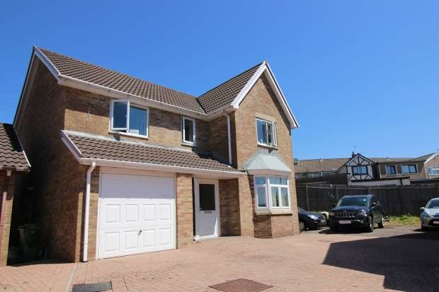 4 Bedrooms Detached House for sale in Parklands Rise, Porth, Mid Glamorgan, CF39 8QA