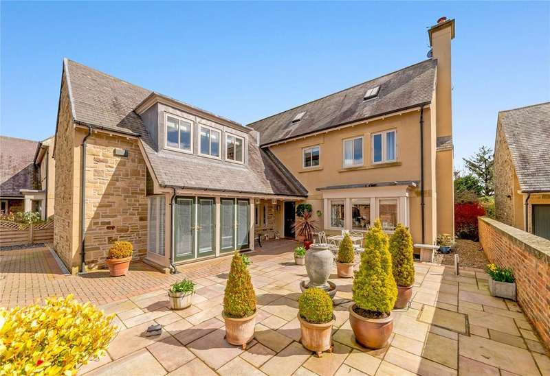 4 Bedrooms Detached House for sale in Penny Lane, Hartford Hall Estate, Bedlington, Northumberland