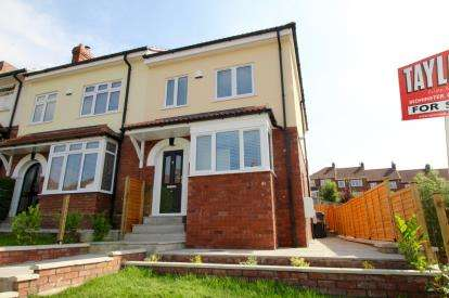 3 Bedrooms End Of Terrace House for sale in Fitzgerald Road, Lower Knowle, Bristol