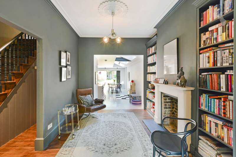 4 Bedrooms House for sale in Roding Road, London, E5