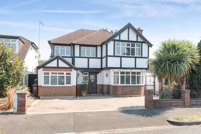 5 Bedrooms Detached House for sale in Darby Crescent, Sunbury-On-Thames, TW16