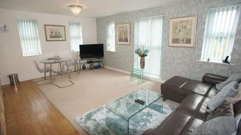 2 Bedrooms Apartment Flat for sale in Holywell Drive, Warrington