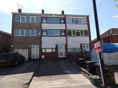 4 Bedrooms Terraced House for sale in Two Mile Hill Road, Kingswood, Bristol