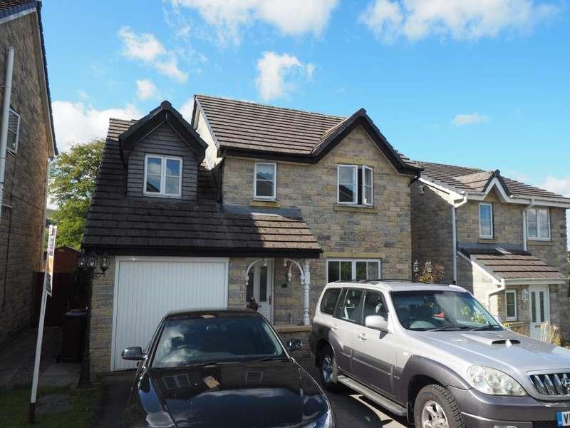 4 Bedrooms Detached House for sale in Homestead Way, Chapel-en-le-Frith, High Peak, Derbyshire, SK23 0DA