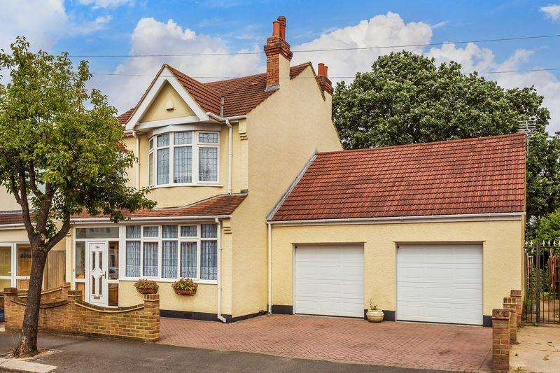 5 Bedrooms Detached House for sale in Silverleigh Road, Thornton Heath Guide Price 650,000 to 670,000