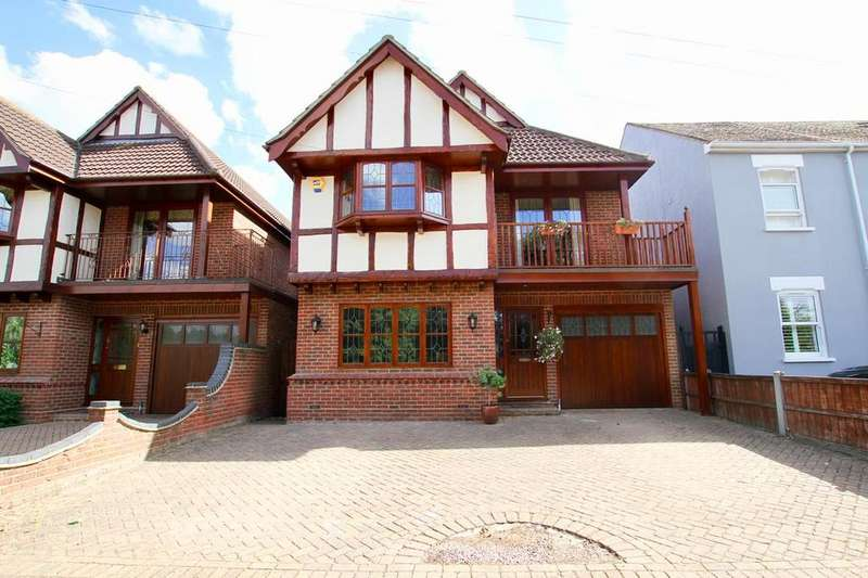 5 Bedrooms Detached House for sale in Fairview Gardens, Leigh-On-Sea