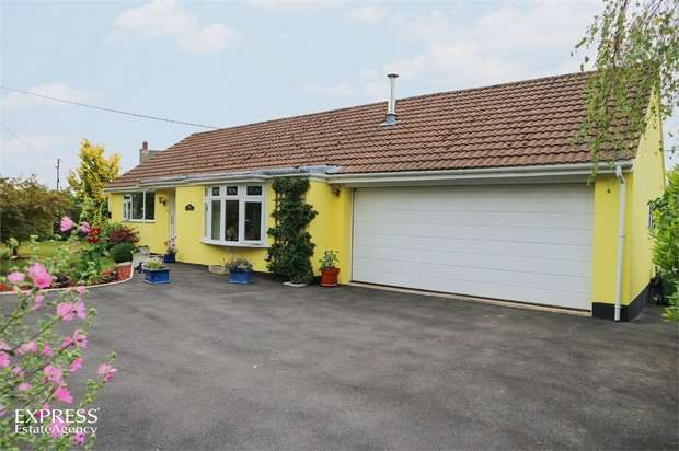 3 Bedrooms Detached Bungalow for sale in Rye Park, Beaford, Winkleigh, Devon