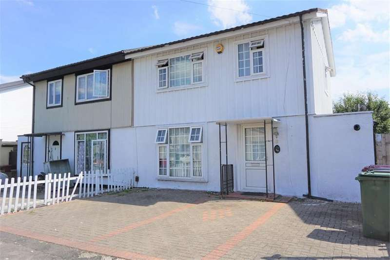 3 Bedrooms Semi Detached House for sale in Bowyer Drive, Slough, Berks