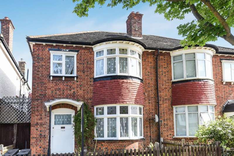 3 Bedrooms Semi Detached House for sale in Cricklade Avenue London SW2