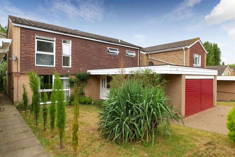 4 Bedrooms Detached House for sale in Chaomans, Letchworth Garden City