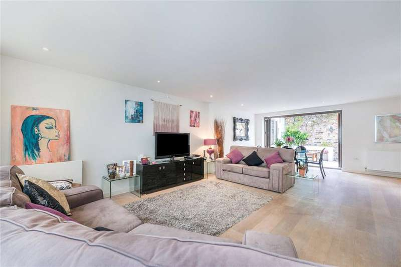 3 Bedrooms Mews House for sale in William Mews, De Beauvoir Road, London