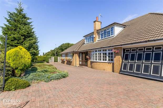 5 Bedrooms Detached Bungalow for sale in Fleetwood Road, Southport, Merseyside