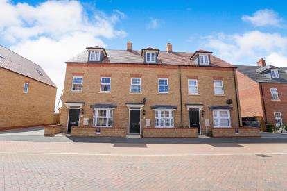 3 Bedrooms Terraced House for sale in Presland Drive, Biggleswade, Bedfordshire
