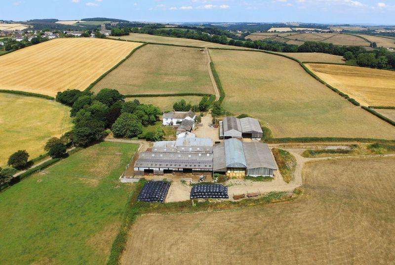6 Bedrooms Farm Commercial for sale in CREDITON