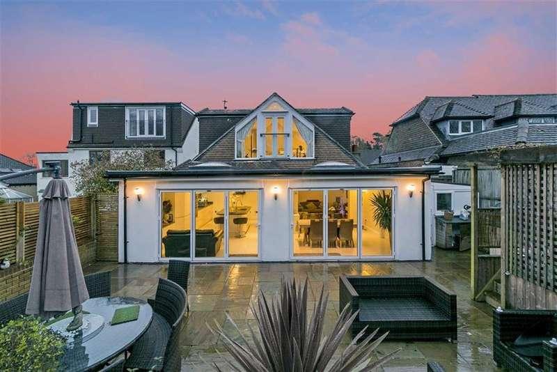 4 Bedrooms Detached Bungalow for sale in Hillside, Banstead, Surrey
