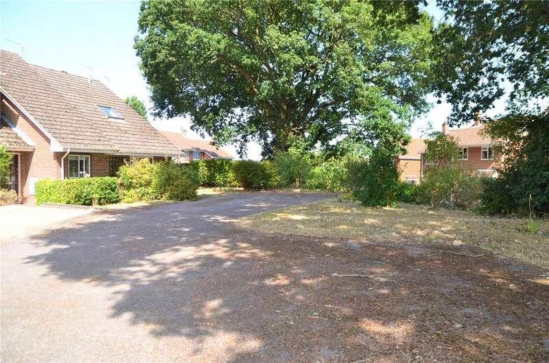 1 Bedroom End Of Terrace House for sale in Lamorna Crescent, Tilehurst, Reading, Berkshire, RG31